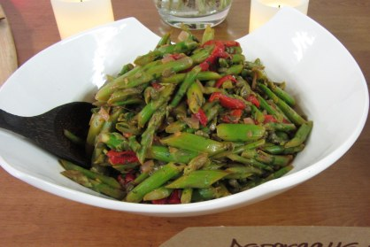 Asparagus and Roasted Red Pepper Salad